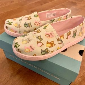 🦉 Kids TOMS Owl Shoes